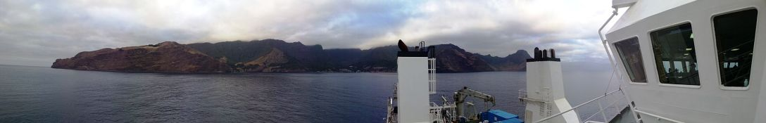Panorama_view_of_Robinson_Crusoe_Island_-_Chile